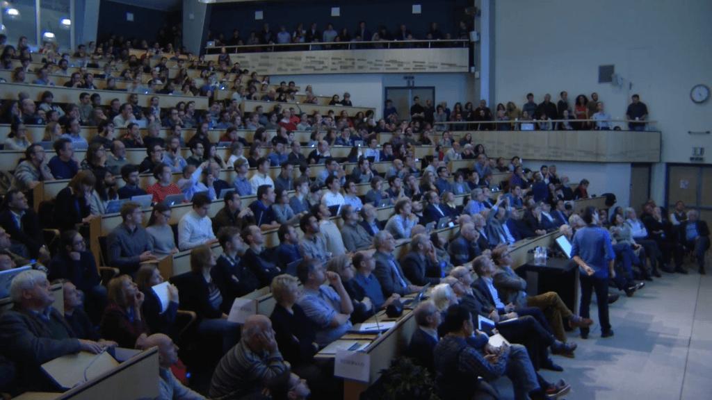 Il seminario di ATLAS e CMS al CERN del dicembre 2015