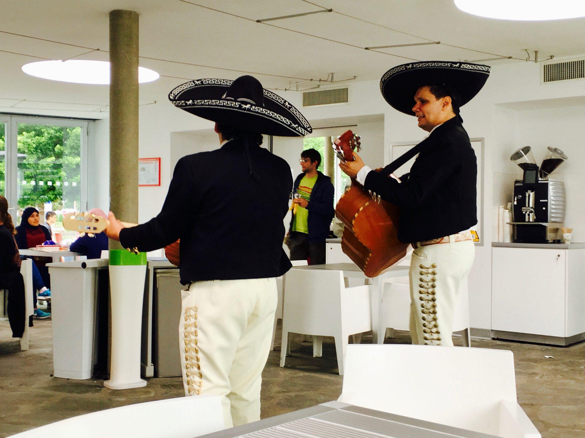 Menestrelli messicani al Ristorante 1 del CERN