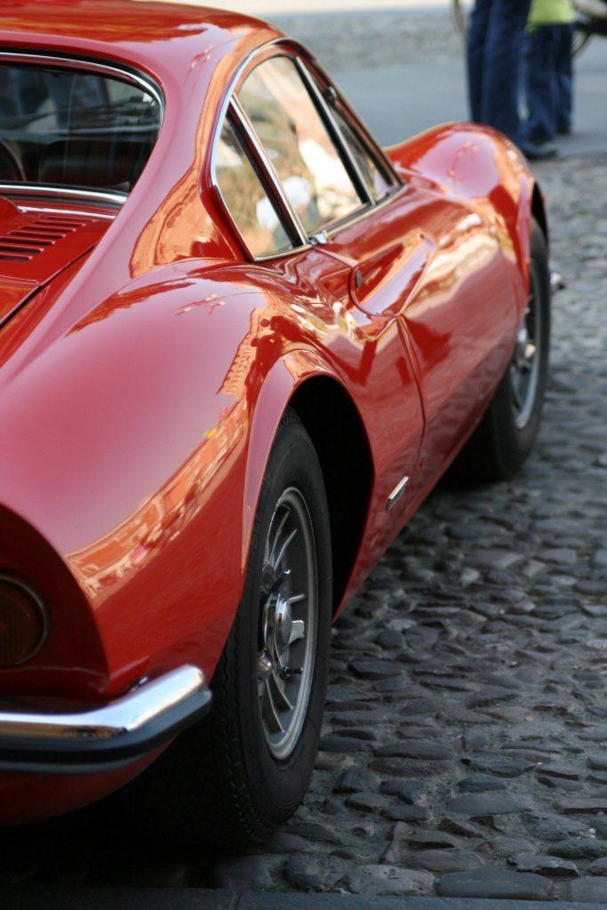 Una Ferrari a Lugo di Romagna (foto di Teo da Flickr)